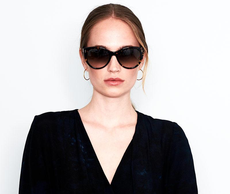 Alexis Amor Ava sunglasses in Amber Fleck