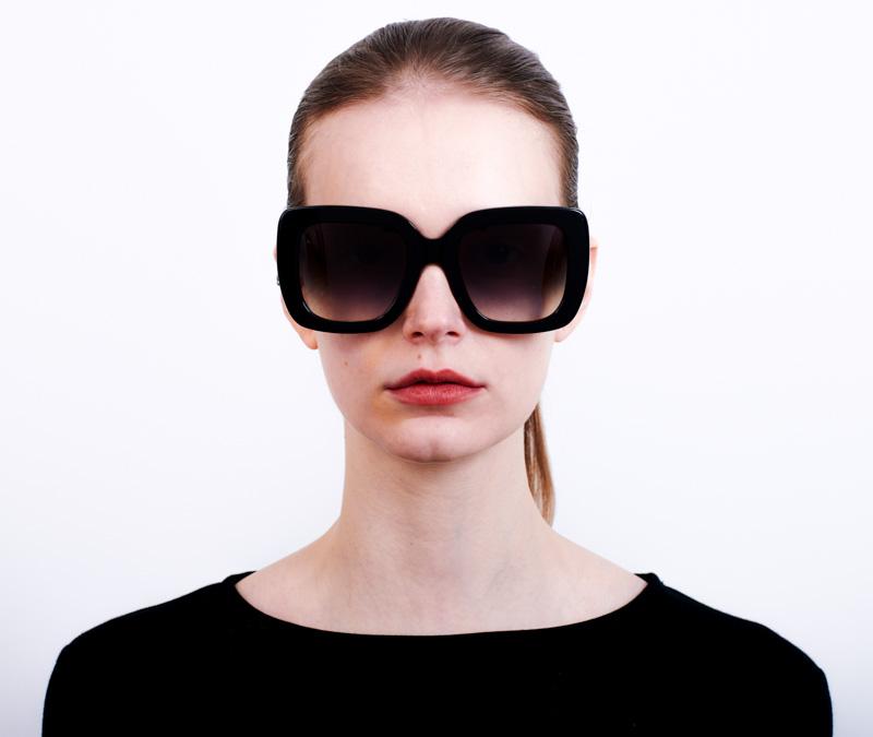 Alexis Amor Bibi sunglasses in Gloss Piano Black + Marble