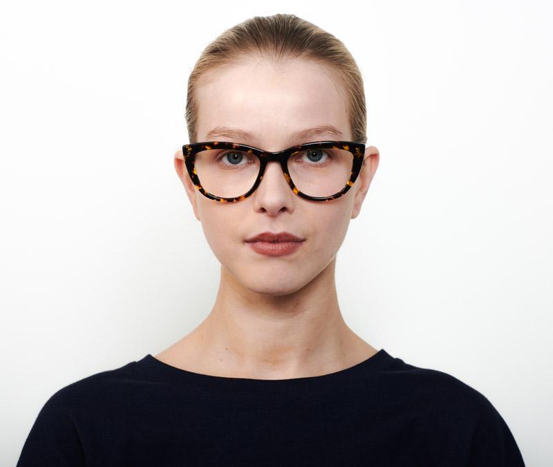 Alexis Amor Birdie frames in Amber Fleck