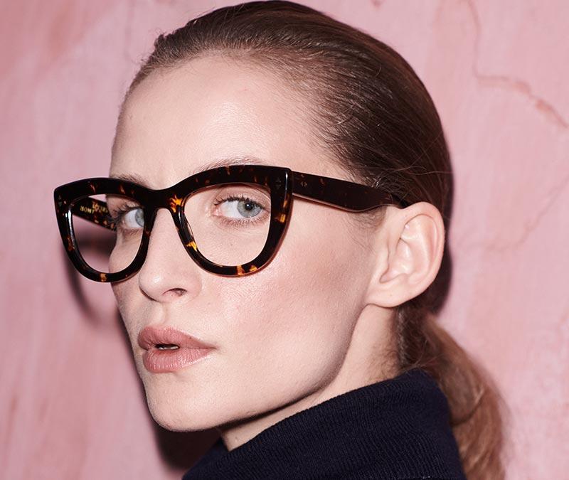 Alexis Amor Birdie X frames in Amber Fleck