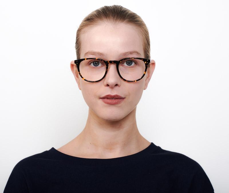Alexis Amor Edie frames in Amber Fleck