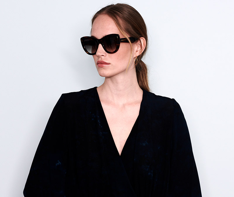 Alexis Amor Nathalie sunglasses in Blue Havana Tortoise